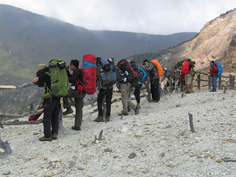 Private Trip gunung Papandayan 2